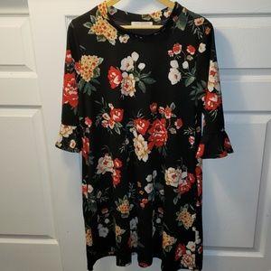 2/$30💛 Floral Maternity Dress (XL)